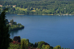 quadrifoglio-blu-10-il-Lago-d'Orta-da-Via-Prisciola