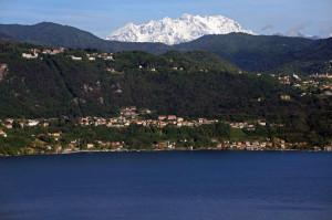 quadrifoglio-blu-9-il-Lago-d'Orta-e-il-Monte-Rosa-da-Via-Prisciola